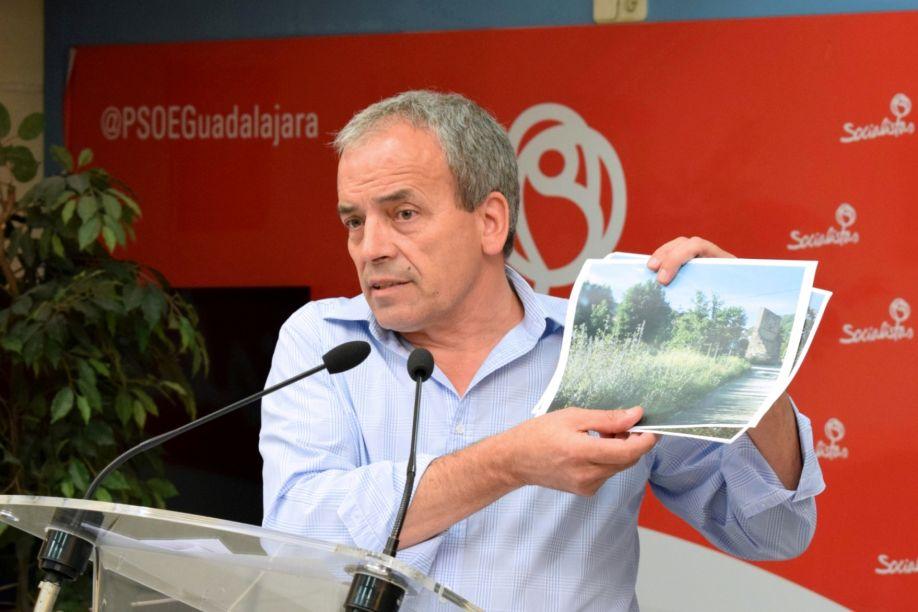 El PSOE pide que se refuerce el desbroce de cunetas en las carreteras de la Diputación para evitar riesgos de accidentes e incendio
